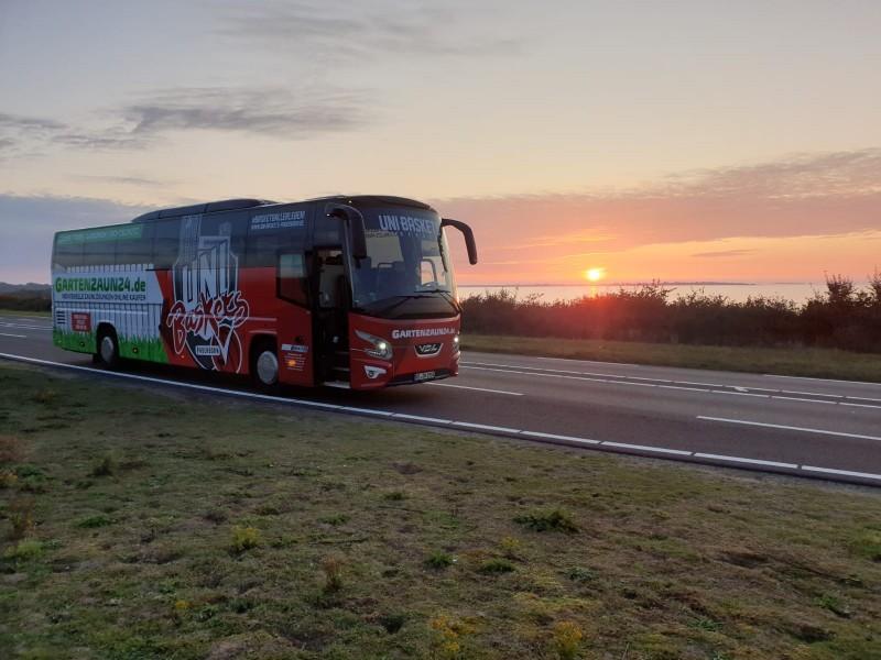 media/image/bus-gartenzaun.jpg